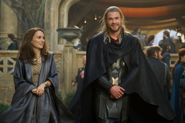 Natalie Portman Chris Hemsworth Thor The Dark World