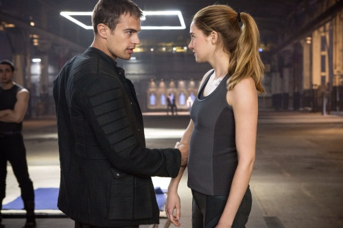 Shailene Woodley Theo James Still 1